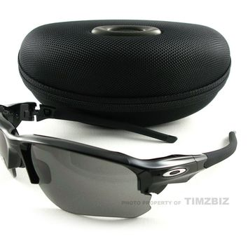 New Oakley Sunglasses Flak Draft Black Grey OO9364-0167 Authentic