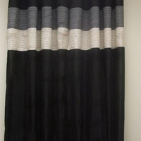 Rgt/ vannie-Black / Ivory Grommet Window Curtain Panel 57x84""