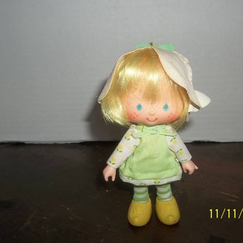 "vintage 1980's strawberry shortcake mint tulip doll 5 1/4"" tall"