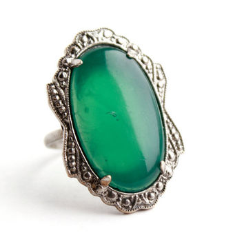 Vintage Art Deco Green Glass Ring - Silver Tone 1930s Statement Costume Jewelry Cocktail Ring / Chrysoprase Green