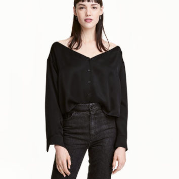 H&M Off-the-shoulder Blouse $39.99