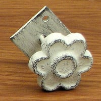 Flat Flower w/base Set of 6 White