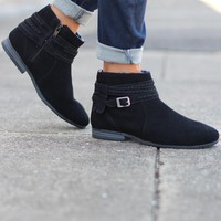 Minnetonka: Dixon Boot {Black}