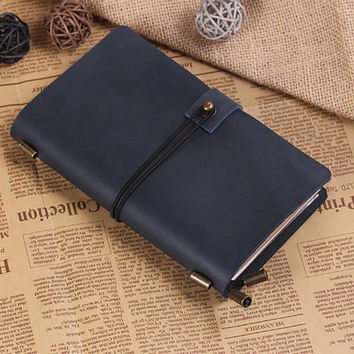 Hand Crafted Vintage Refillable Leather Traveler's Notebook - Leather Journal Notebook - Medium Size