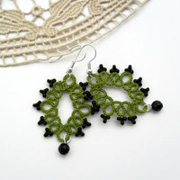 victorian diamonds earrings, pistachio green, black, victorian, geometric earrings, handmade tatting lace, MADE TO ORDER