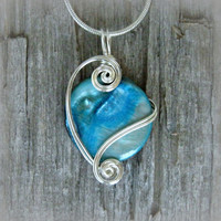 Cyan Mop Shell Wire Wrapped Pendant Necklace in Silver