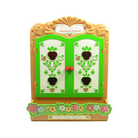 Berry Patch Carry Case Strawberry Shortcake Vintage Display Cabinet for Strawberryland Miniatures Figurines