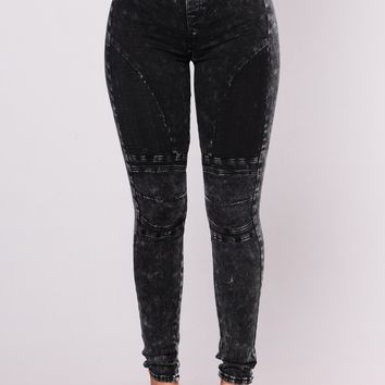 Talk Like That Moto Leggings - Black