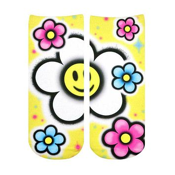 Smiley Daisy Airbrush Ankle Socks