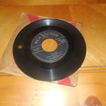 Vintage Vinyl Record 45 RPM Eartha Kitt With Henri René And His Orchestra -  C'est Si Bon - African Lullaby - Original Catwoman