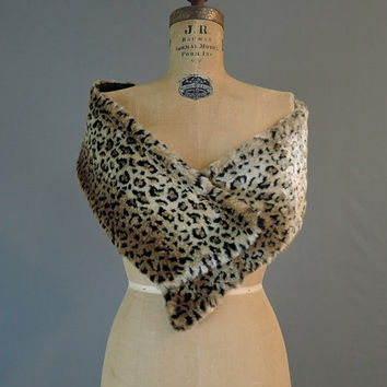 Vintage Leopard Faux Fur Wrap or Scarf, 1980s Leopard Print with Quilted Back