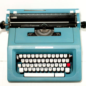 Ready to ship - KIND OF BLUE- Typewriter Olivetti Studio 46 - Vintage Decor - Portable Manual typewriter - Office typewriter