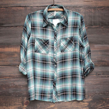 button-up flannel shirt - blue/green