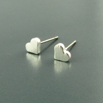 Little Heart stud Earrings, Minimal heart earrings /Sterling Silver, 18K Gold, or Rose Gold/ Everyday Jewelry