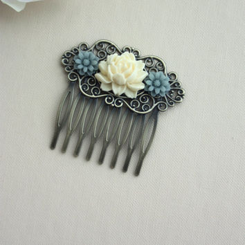 Soft Ivory Rose, Dusty Blue Grey Mum Daisy Flower, Filigree  Brass Hair Comb, Bridesmaids Gift. Blue Grey Wedding Comb. Country Rustic Barn