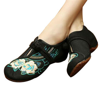 Chinese Embroidered Flat Ballet Ballerina Cotton Black Mary Janes Shoes for Women in Floral Design