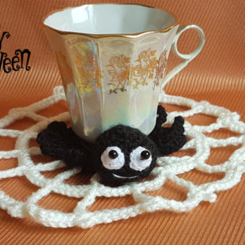 Crochet coaster spider and cobweb knitted coasters Halloween decor drink handmade coasters halloween party decoration wall decor spider web