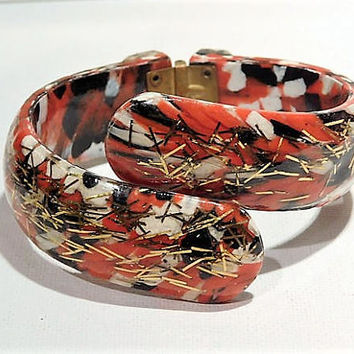 Lucite Confetti Clamper Mid Century 1950s 1960s Vintage Hinged Bypass Bracelet Clamper Bangle Cuff Fashion MOD Hip Retro Jewelry