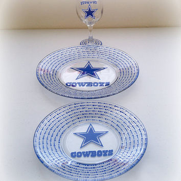 Dallas Cowboys NFL Texas Football Dining Set - Plates & Wine Glass
