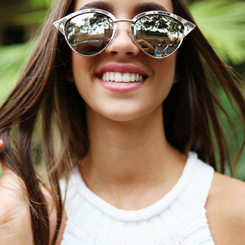 Quay Eyeware x Shay Mitchell - Tilly Sunglasses - Gold