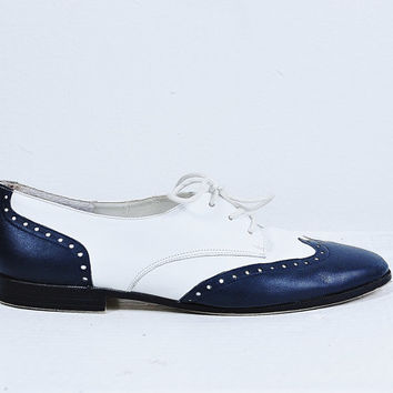 navy blue and white leather lace up spats gangster flapper spectator shoes nautical oxford flats vintage 1980s 7.5