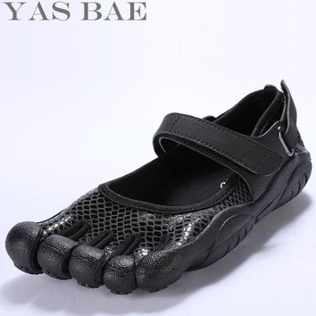 Yas Bae Big Size 45 44 Sale Design Rubber with Five Fingers Outdoor Slip Resistant Breathable Light Weight Shoe Sneakers for Men