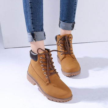 2017 Women boots Fashion Martin Boots Snow Boots Outdoor Casual cheap Timber boots Autumn Winter Lover shoes Botas Hombre unisex