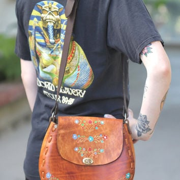 Vintage 70s Hippie // Handpainted Tooled Leather Crossbody // Floral Purse // Patina Leather Bag // Medium / Large