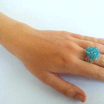 FREE SHIPPING Wire crochet ring with glass beads: Frozen