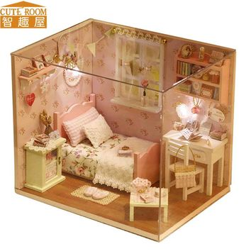 CUTE ROOM DIY Doll House Miniature Wooden Dollhouse Miniaturas Furniture Toy House Doll Toys for Christmas and Birthday Gift H02