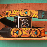 Leather camera strap with traditional Guatemalan embroidery - Flor con Púas (Spiky Flower) in Gold, Yellow, Turquoise