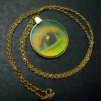 EYE SEE YOU - Hologram Eyeball Necklace