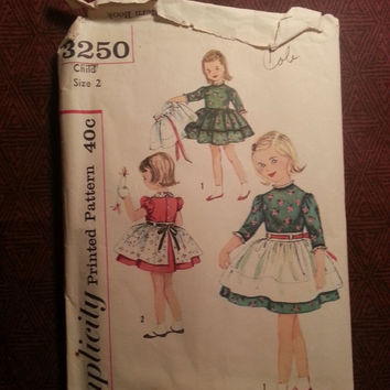 Complete 1950's Simplicity Sewing Pattern, 3250! Size 2 Toddler/Girls/Full Flared Dress/Tiered Ruffle Dress/Puffy Sleeves/Waist Aprons