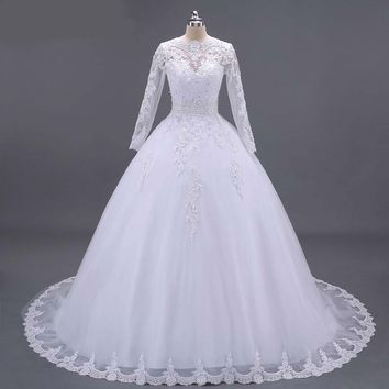 Boat Neck Beaded Sashes Vintage Wedding Dress Embroidery Appliques Pearls Crystal Beads Ball Gown Wedding Dresses