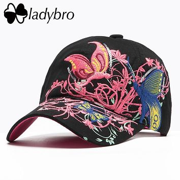 Ladybro Brand Women Hat Cap Female Casual High Quality Butterflies Flowers Spring Summer Cotton Black Cap Embroidery Letter Bone