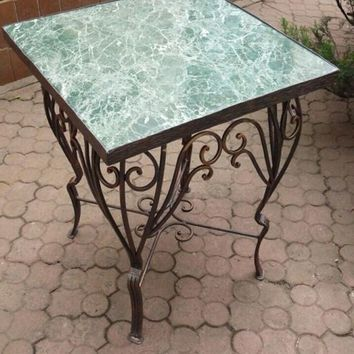 Table display, table for games, coffee table, hand forged table, garden table, table cloth, kitchen table, table idea, table plant, tables