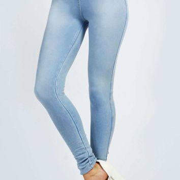 Halle Denim Look Back Pockets Supersoft Jeggings