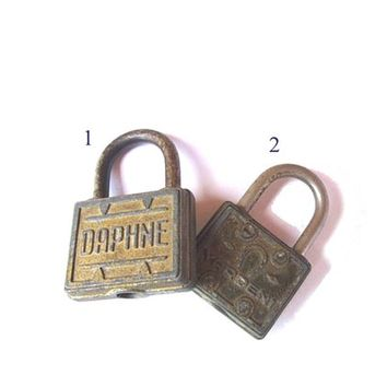 Vintage Daphne horseshoe good luck rustic old padlocks