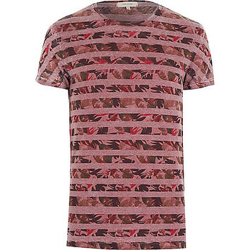 River Island MensRed leaf stripe print t-shirt