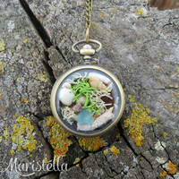 Real moss terrarium necklace, Real sea glass necklace, Mediterranean corals, Vintage locket necklace, Antique locket, Real sea shells locket