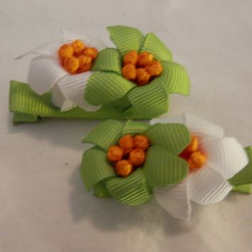 RIBBON SCULPTURES - EASTER - GREEN / WHITE LILIES
