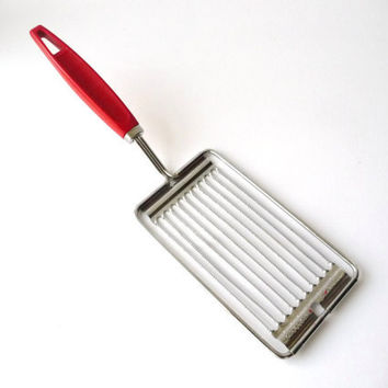 Vintage Slicer - Red Plastic Handler - Kitchen Utensil - Tomato