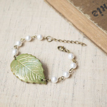 Polymer Clay Green Leaf Bracelet. Gold Painted Leaf. White Swarovski Pearls Bracelet. Antique Brass. Handmade Jewelry