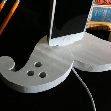 Mustache iPhone/ iPod Charger (White)