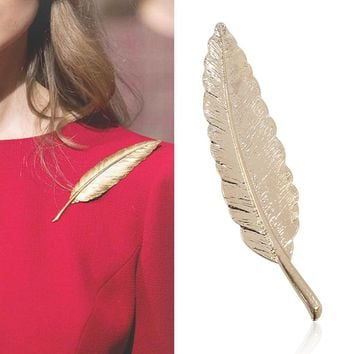 European Retro Style Jewelry Gold Leaf Brooch Long Section Of A Large Maple Leaf Brooch Pin Collar