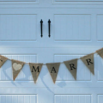 "Burlap Banner - ""Just Married"""
