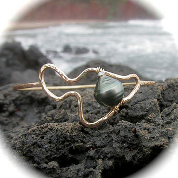 Maui Wowie Bangle, Tahitian Pearl, Gold Hammered Bracelet, Island Style, Surfer Girl, Hawaii Beach Jewelry, Summer Fashion