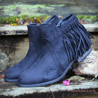 SZ 5 Top Notch Black Fringe Suede Booties