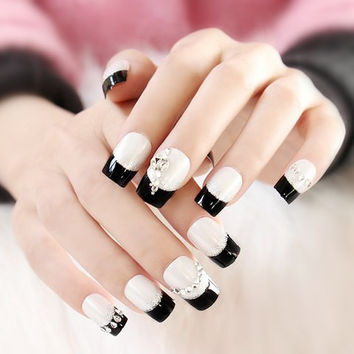24 PCS Black and White Rhinestoned Nail Art False Nails