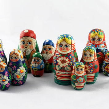 Lot of 4 Matryoshka Russian Nesting Doll Nested Wooden Babushka Dwarf Beautiful Set 3 Pieces Pcs Hand Painted Handmade Souvenir Handicraft